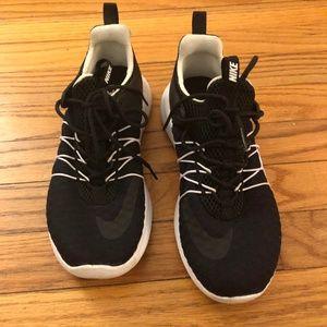 Nike 819959-003 Darwin Women 6.5 Running Shoes